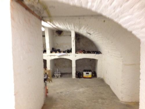 Oude kelders met verborgen schatten. De spinnen laat ik links liggen