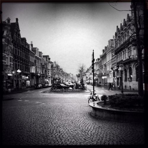 Elke werkdag naar mooiste stad van het zuiden. Ook in zwart-wit blijft ze indruk maken.