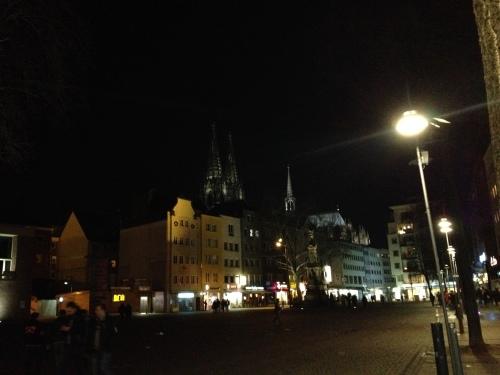 Keulen, een stad vol pleinen ..