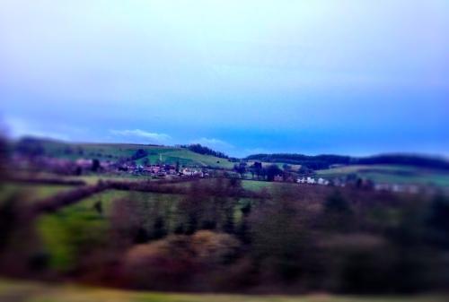 Een mooie goedemorgen Limburg foto maken is lastig. Het dikke wolkendek geeft de heuvels een troosteloos gezicht.
