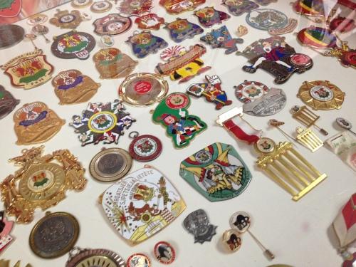 In alle vormen en kleuren. Gewilde objecten voor de happy few...