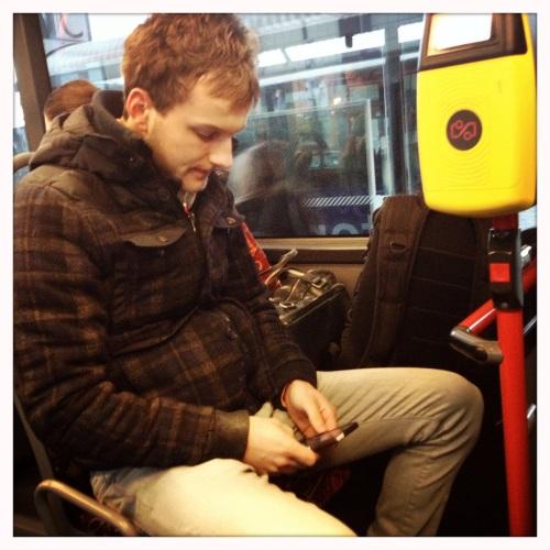 Ook in de bus neem je de ruimte