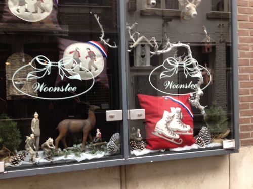 Winterse taferelen..Vergeten versiering of slimme marketing? Aantrekkingskracht