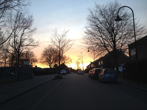 Snel even de hoek om zodat je nog net de ondergaande zon kunt vastleggen en dan hoor je, voor je ziet.....