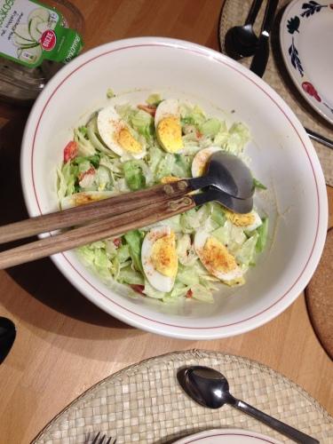 Bij lente hoort salade...de man toverde met eitjes