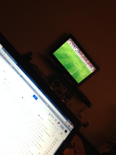 Voeten op tafel, voetbal op tv en ploggen tot besluit....Tot morgen!