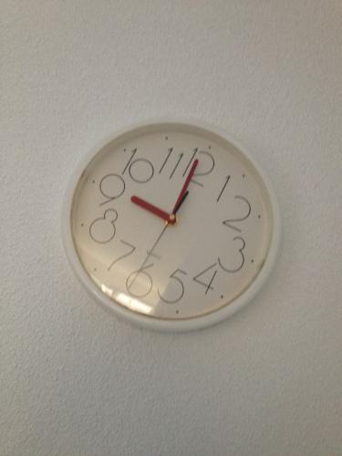 Hoe laat? Lekker luchtig over doen, het is tenslotte zondag.