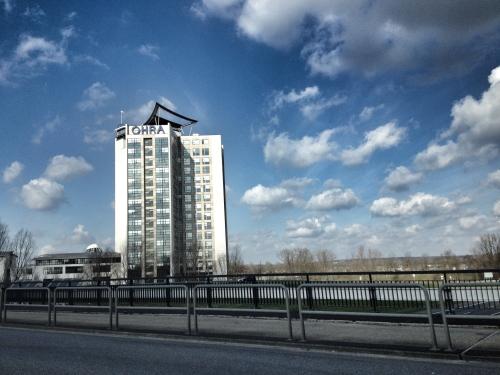 Hallo Arnhem, we komen even op bezoek, eten luchtige taart maar die vergeet ik te fotograferen...