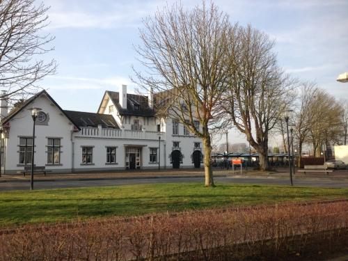 Station Meersen...