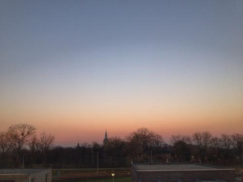 De zon gaat ook vandaag weer kleurrijk onder. Tot morgen!