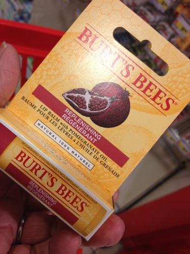 en ik ontdek Burt's Bees...heerlijk spul voor mijn schrale lippen