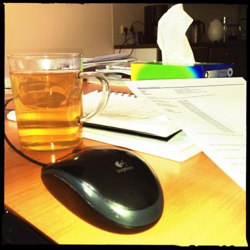 checklist onder handbereik en thee...altijd thee.