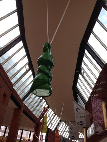Dakhazen in het winkelcentrum (pje)