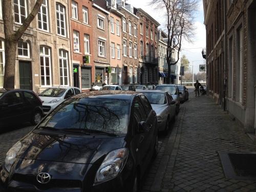 Zoeken ..waar staat die auto nou?