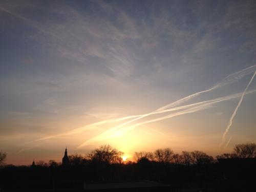 Vroeg uit bed betekende wel dat ik deze prachtige zonsopgang mocht vastleggen. Om stil bij te staan.