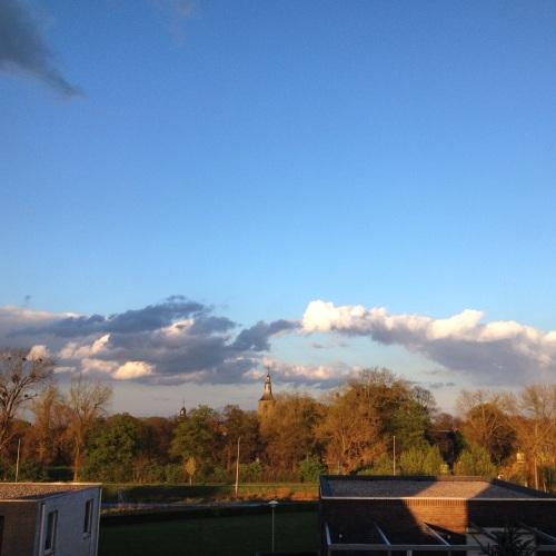 en hopla...zo is het weer blauw en zonnig.