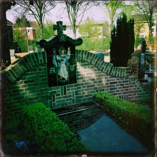 Vaste prik op mijn vrije dag, bezoekje aan het kerkhof.