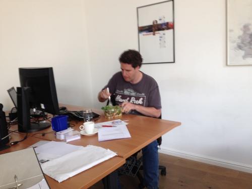 Lunchtijd Scarabee style. Is 't lekker Roy?