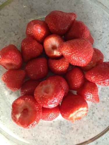 ha! alweer aardbeien maar dit keer van de Duitse boer en overheerlijk..