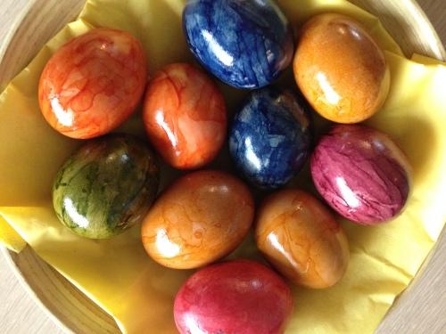 Als klap op de vuurpijl een schaal vol gekleurde eieren. Nog een drukke dag en we nemen het er van. Dag dag, tot morgen!