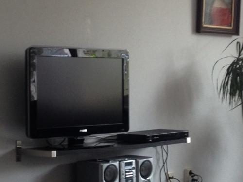 en toen besloot de tv er de brui aan te geven..Lang leve de helpdesk die het probleem wist op te lossen. Hoera hoera hoera!
