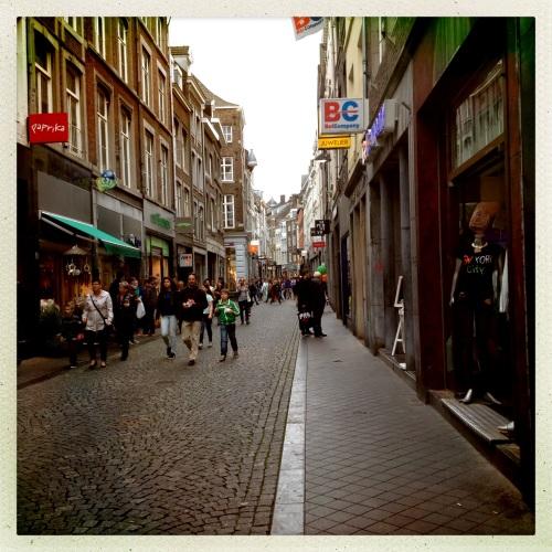In Maastricht is altijd volk op de been