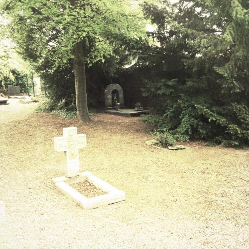 Het grafje is er nog, maar  waarschijnlijk niet lang meer.