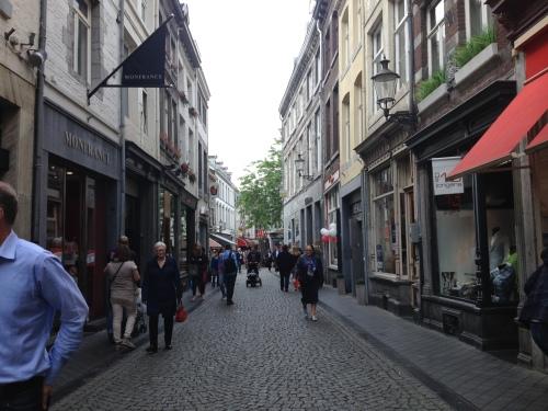 Maastrichtse straten en steegjes...allemaal even mooi.
