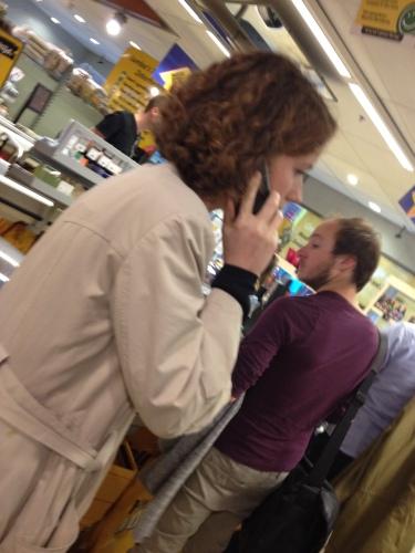 Hallo Jumbo, Céline is druk in gesprek.