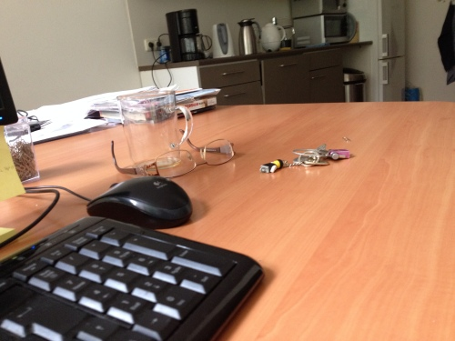 Mijn bureau is nog leeg, maar het is ook nog vroeg.