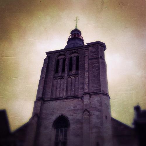 Beetje ondergesneeuwd door alle prachtige kerken die Maastricht rijk is, maar daarom is de Sint-Matthiaskerk niet minder mooi.