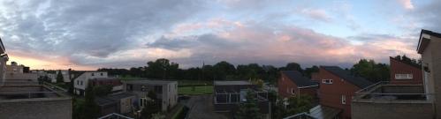maar dan...ontdek ik eindelijk hoe ik een panoramafoto maken moet. Een prima afsluiter denk ik zo. Dag dag, tot morgen!