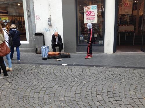 Naast de vriend van de burgemeester heeft Maastricht nog wel een paar bekende figuren, die al dan niet de weg kwijt zijn.
