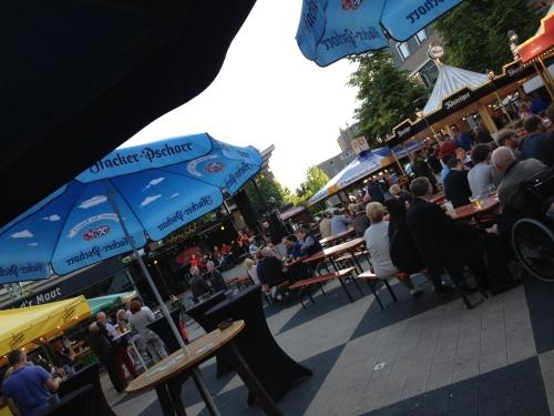 Bierproeverij op de Markt, feest!