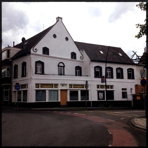 Het ooit zo mooie Hotel Bosch, ten dode opgeschreven.