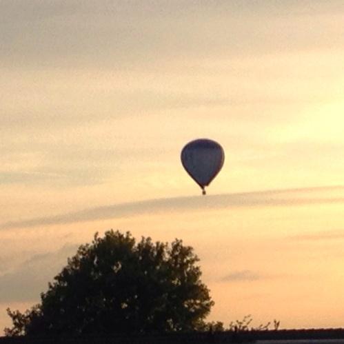 Aan de voorkant hangt ineens iets in de lucht. Het is mooi geweest. Dag dag, tot morgen!