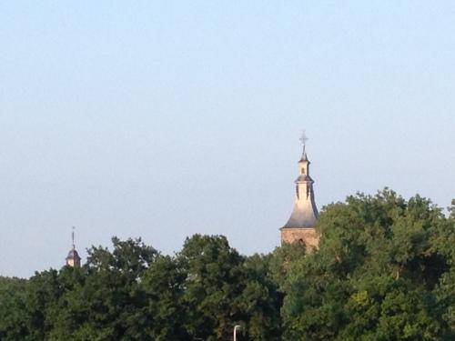 En zoals gewoonlijk, een laatste blik op de toren. Morgen gaan we weer over tot de orde van de dag. Dag dag...