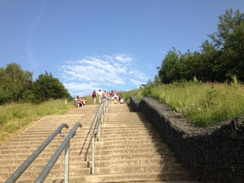 maar dan...hup...via de trap die berg op.