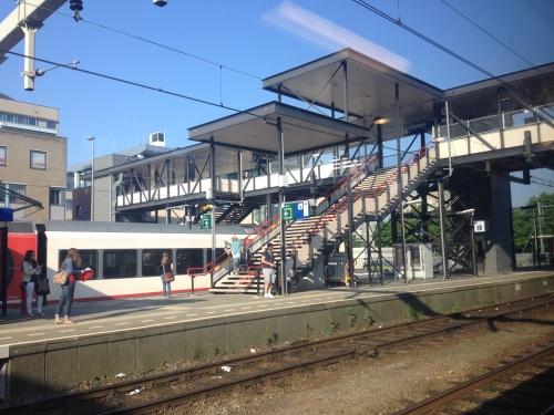 De ramen van de trein zijn smerig