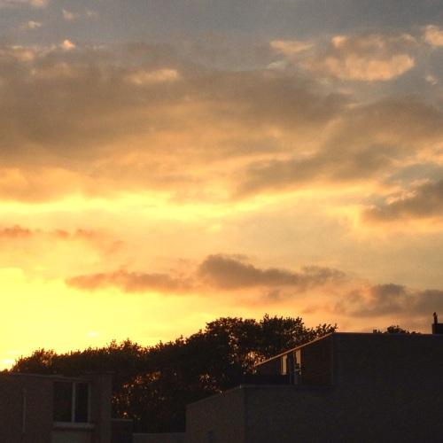 En dan de zon zo zien verdwijnen. Het oranjegevoel hangt in de lucht. Dag dag, tot morgen!