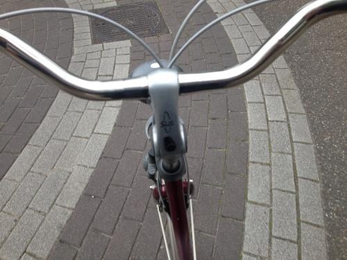 Hup op de fiets. Niet over wit Anna-Maria, nooit over wit...:)