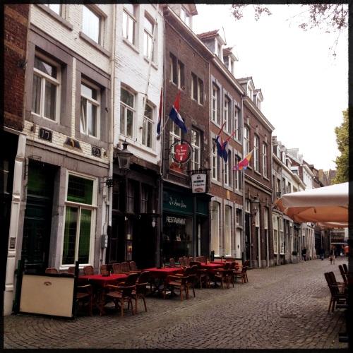 We ontdekken een nieuwe winkel in de Mariastraat.