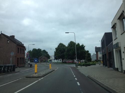 Andere route vandaag want het dorp zit op slot
