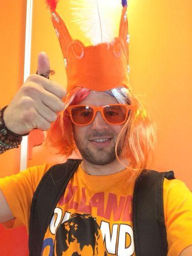 Nou nou zoon, da´s wel erg ...euh ...oranje.