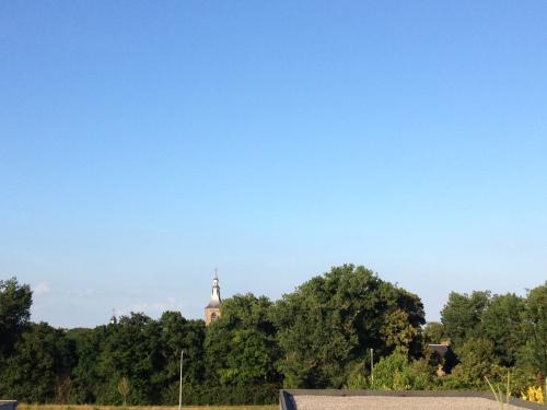 Ook de toren lijkt te glimmen van plezier. Dag dag, tot morgen!