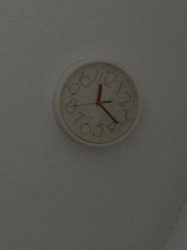 Zelfs de tijd is grijs. Tijd om te vertrekken