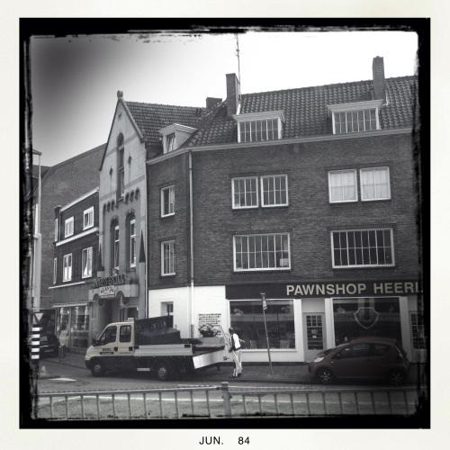 In Heerlen kijken ze te veel naar RTL ...Pawnshop...tsk tsk tsk