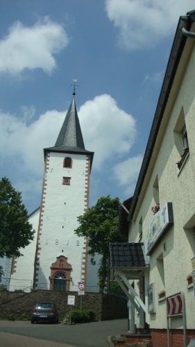 Lieve dorpjes en mooie kerkjes. Je vindt ze in de Eifel.