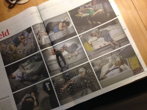 Goed voor een brede grijns, foto's van mensen die een dutje doen bij Ikea...