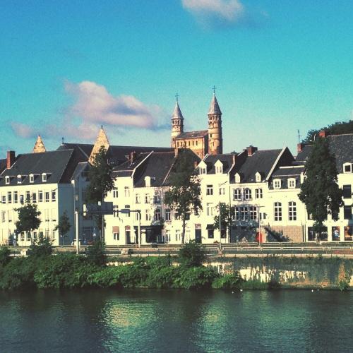 Maastricht, van elke kant kun je een postkaart maken.